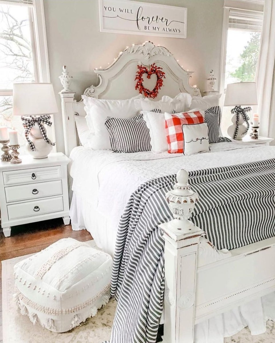 Lovely Valentine Master Bedroom Decor Ideas 06