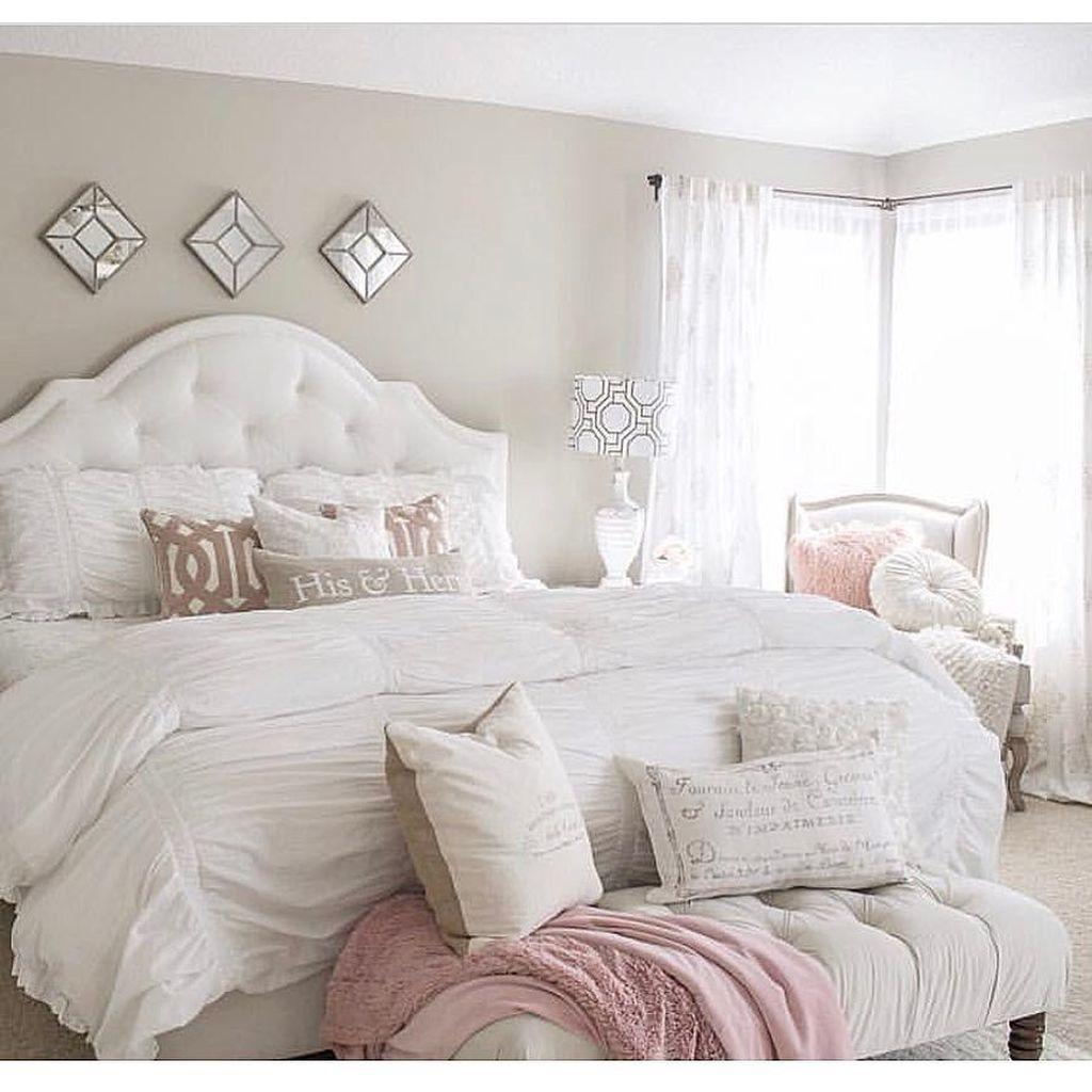 Lovely Valentine Master Bedroom Decor Ideas 11