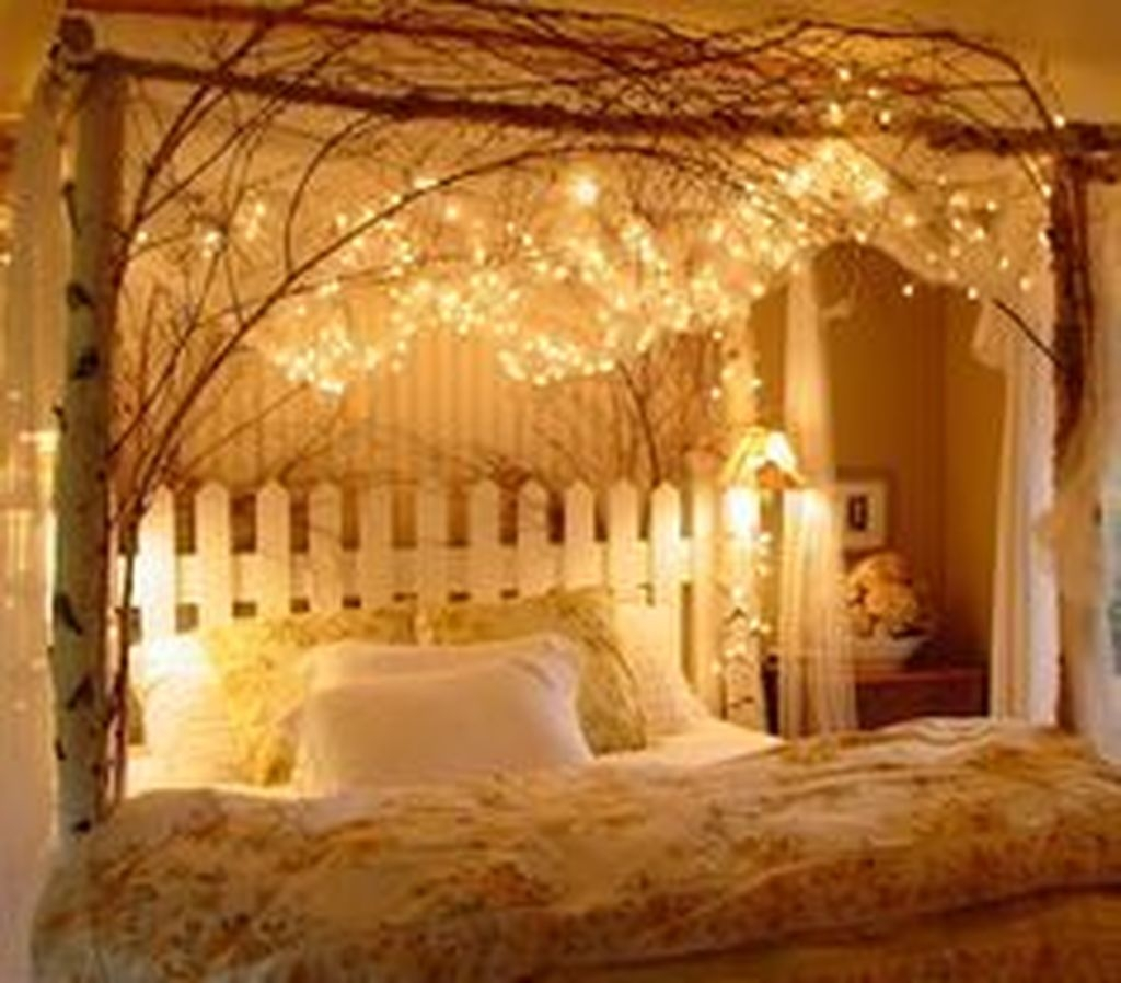 Lovely Valentine Master Bedroom Decor Ideas 23