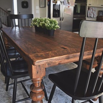 Perfect Farmhouse Dining Table Design Ideas 25