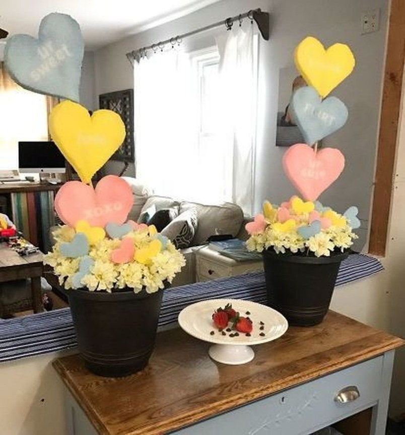 Romantic Valentine Home Decoration Ideas To Warm Your Relationship 01