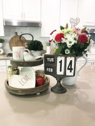 Romantic Valentine Home Decoration Ideas To Warm Your Relationship 27