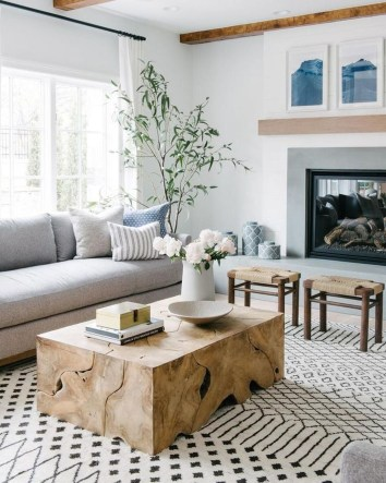 Stunning Coastal Living Room Decoration Ideas 06