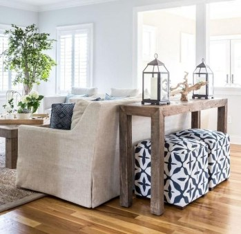 Stunning Coastal Living Room Decoration Ideas 32