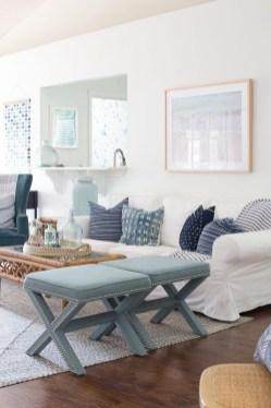 Stunning Coastal Living Room Decoration Ideas 40