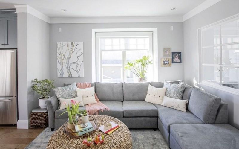 Stunning Family Friendly Living Room Ideas 33