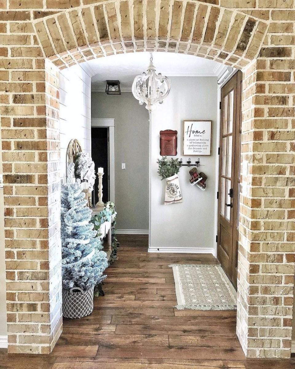 The Best Winter Entryway Decor Ideas 03