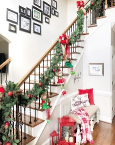 The Best Winter Entryway Decor Ideas 04