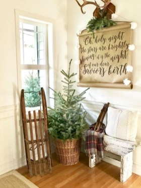 The Best Winter Entryway Decor Ideas 17