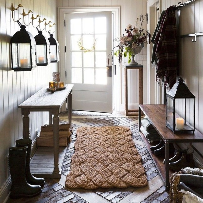 The Best Winter Entryway Decor Ideas 38