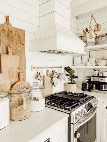 Totally Inspiring Farmhouse Kitchen Design Ideas 37