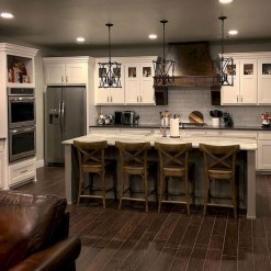 Totally Inspiring Farmhouse Kitchen Design Ideas 44