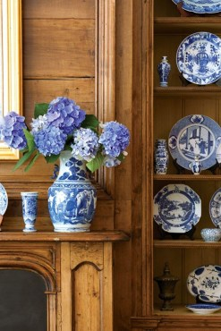 Affordable Blue And White Home Decor Ideas Best For Spring Time 35