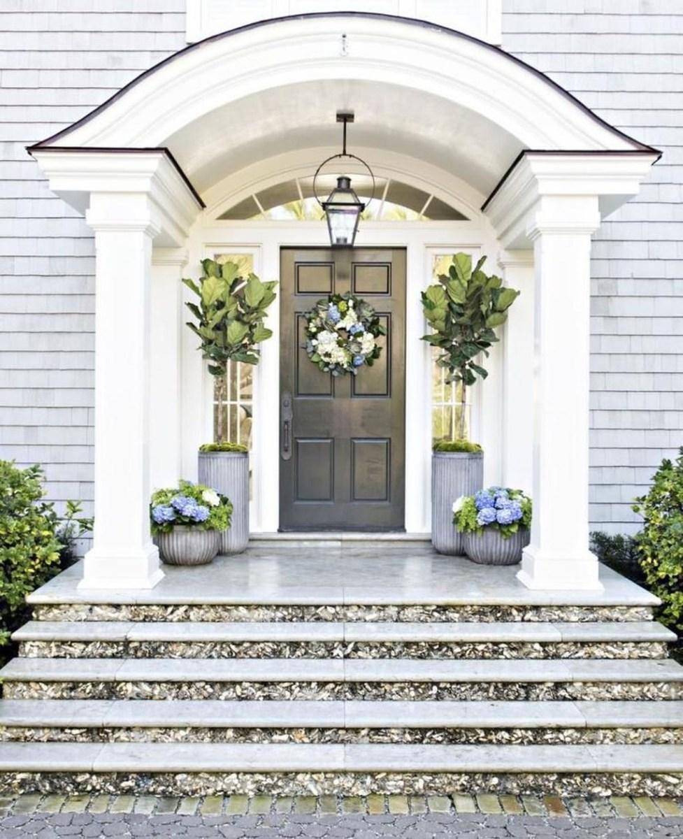 Stunning Spring Front Porch Decoration Ideas 17