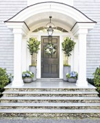 Stunning Spring Front Porch Decoration Ideas 17