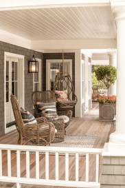 Stunning Spring Front Porch Decoration Ideas 38