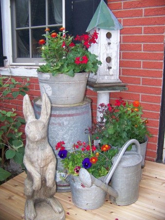Best Easter Front Porch Decor Ideas 19