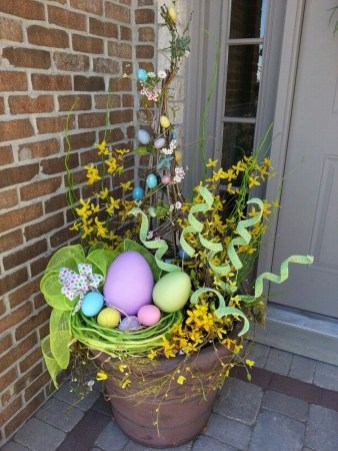 Best Easter Front Porch Decor Ideas 20