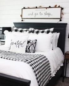 Elegant Farmhouse Bedroom Decor Ideas 26