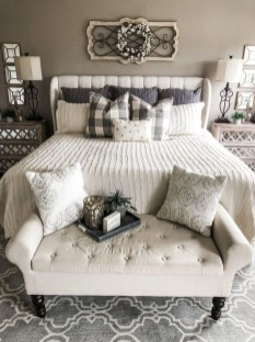 Elegant Farmhouse Bedroom Decor Ideas 34