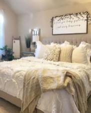 Elegant Farmhouse Bedroom Decor Ideas 38