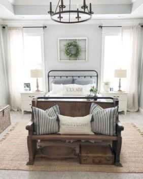 Luxury Modern Farmhouse Decoration Ideas 44