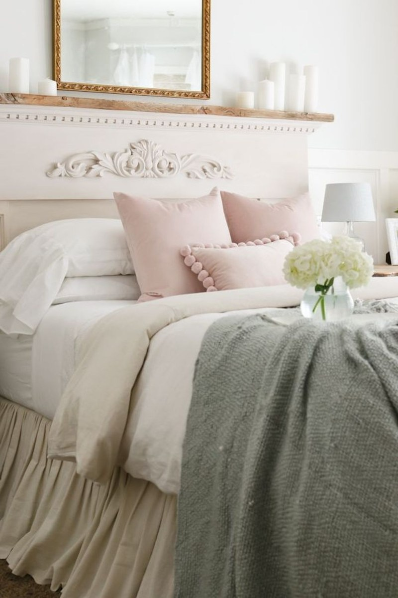 Perfect Spring Bedroom Decorating Ideas 05