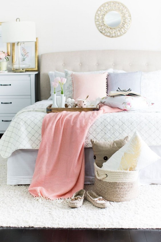 Perfect Spring Bedroom Decorating Ideas 47
