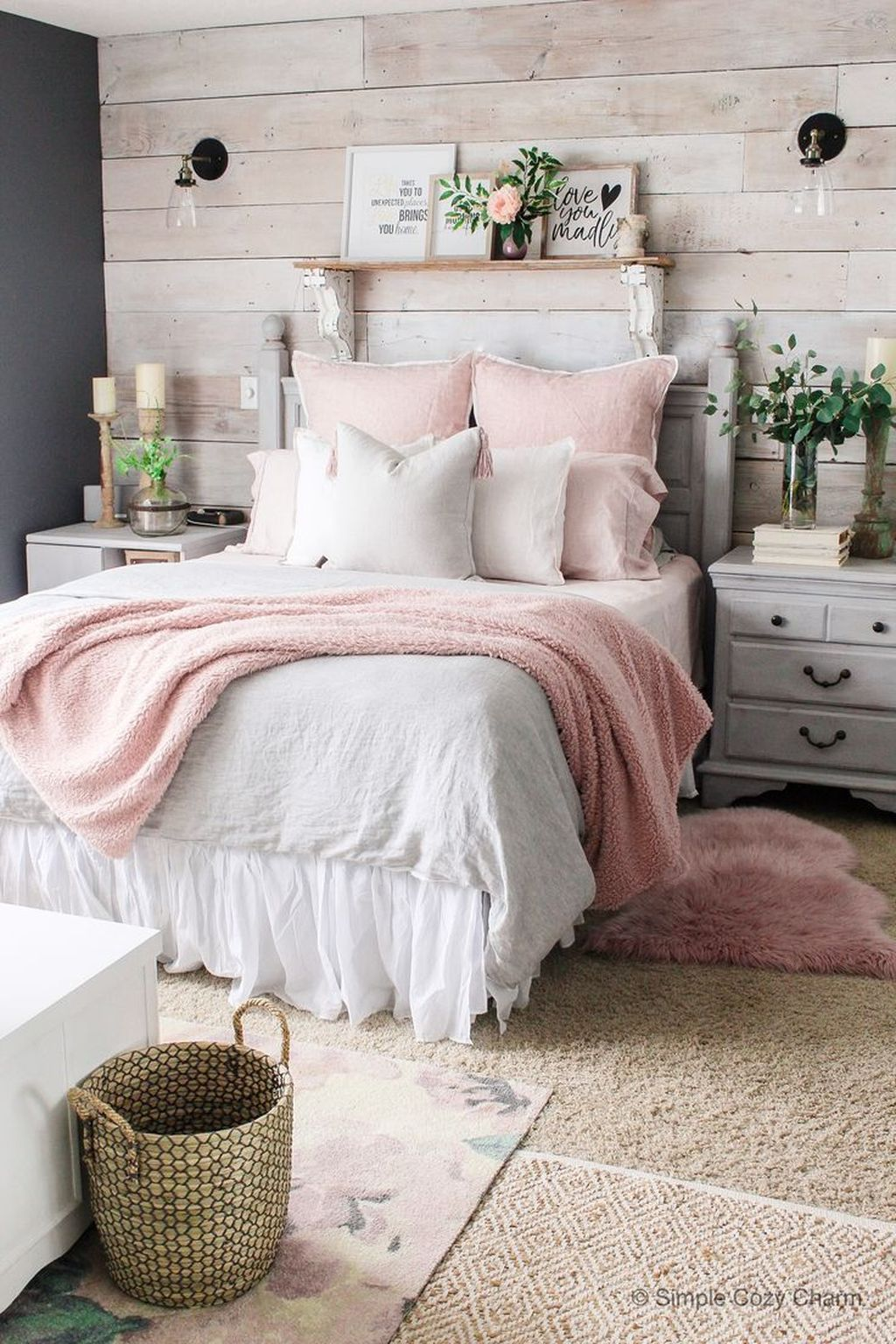 Amazing Winter Bedding Ideas To Get A Cozy Bedroom 04