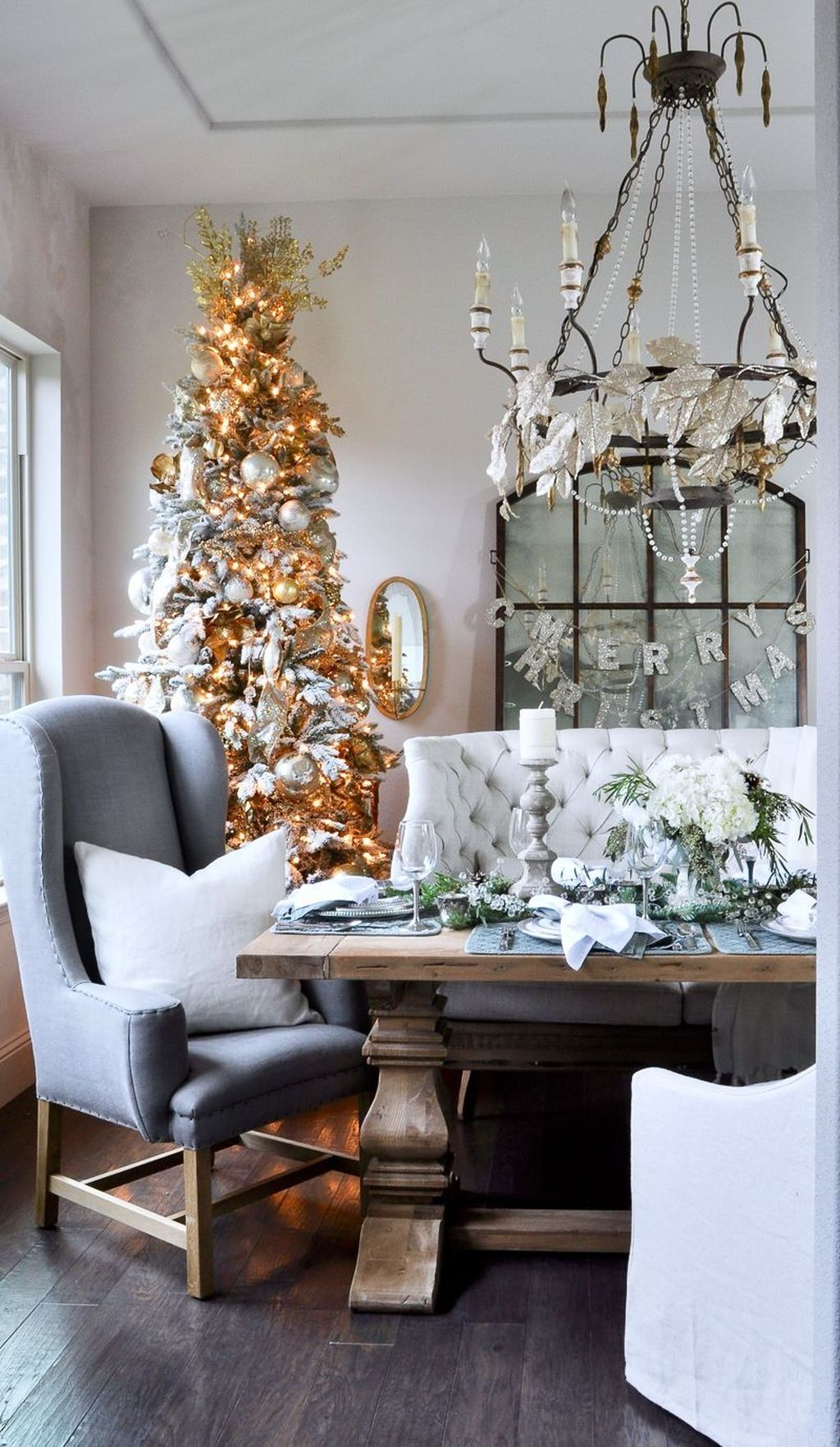 Beautiful Winter Dining Room Table Decor Ideas Which You Definitely Like 45