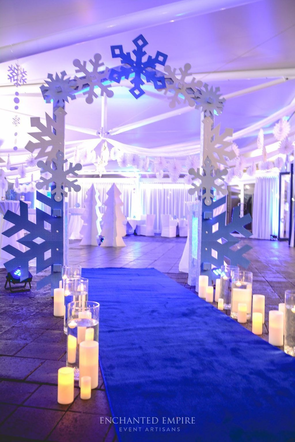 Beautiful Winter Wonderland Lighting Ideas For Outdoor And Indoor Decor 15