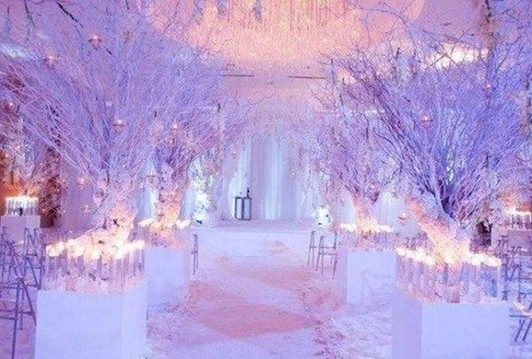 Beautiful Winter Wonderland Lighting Ideas For Outdoor And Indoor Decor 31
