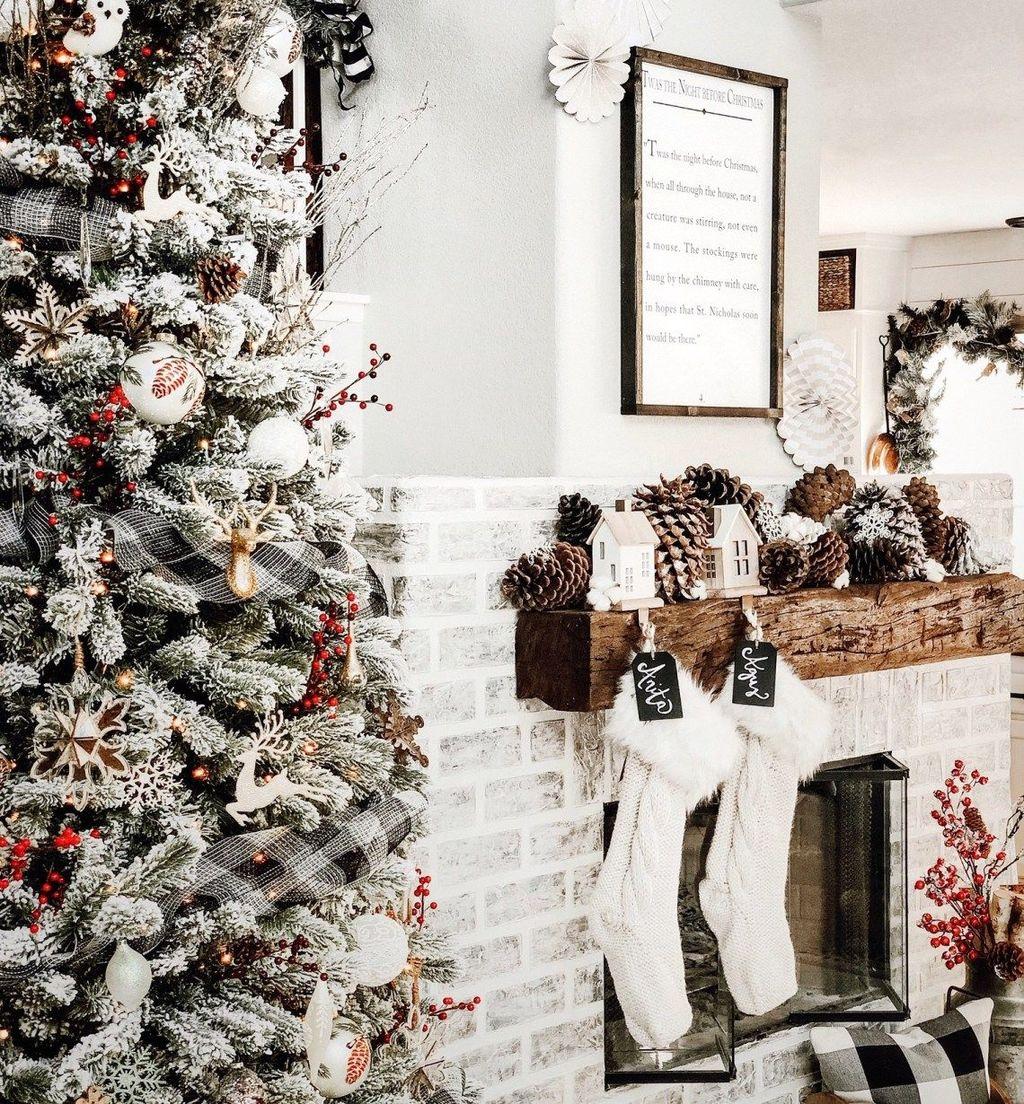 Beautiful Winter Wonderland Lighting Ideas For Outdoor And Indoor Decor 42