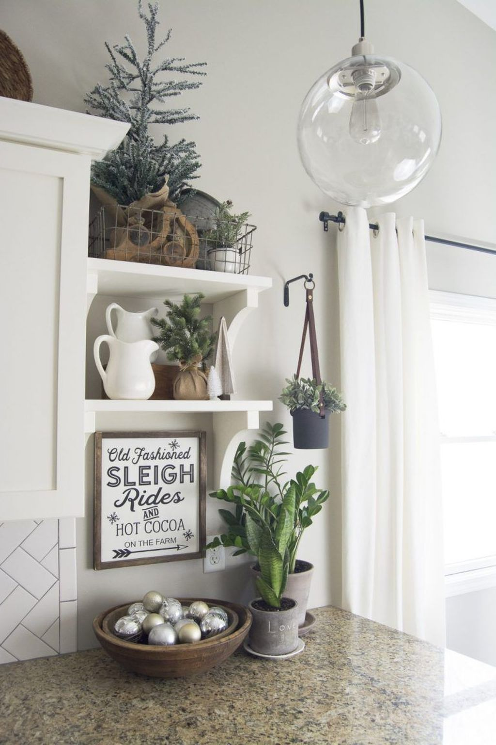 Inspiring Winter Kitchen Decor Ideas You Can Try 19
