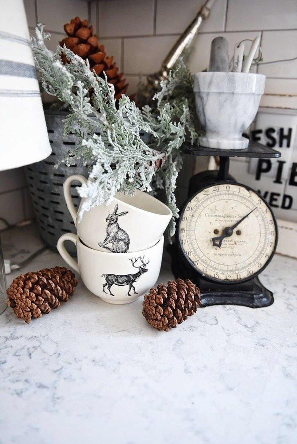 Inspiring Winter Kitchen Decor Ideas You Can Try 28