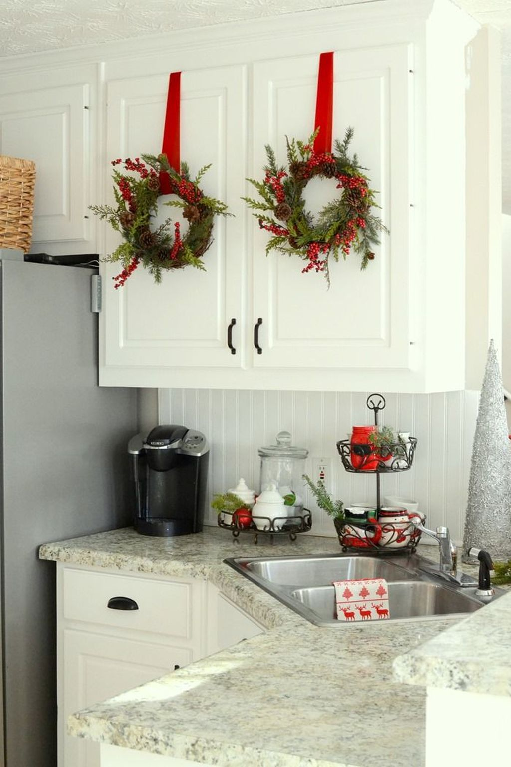 Inspiring Winter Kitchen Decor Ideas You Can Try 32
