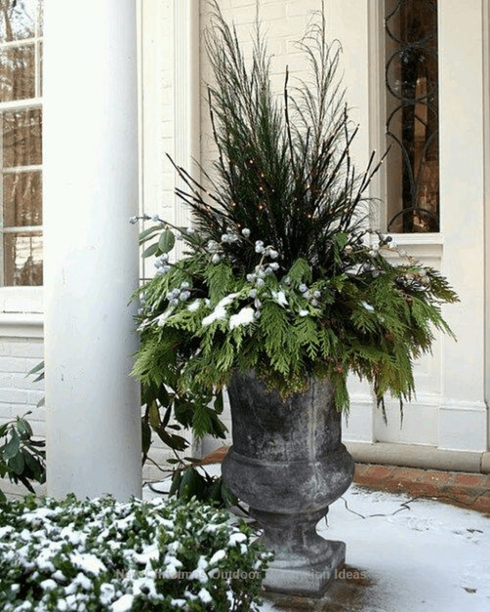 Popular Outdoor Decor Ideas For This Winter 20