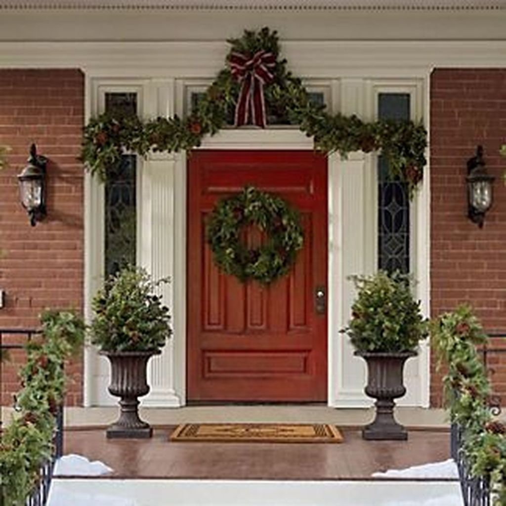 Popular Outdoor Decor Ideas For This Winter 32