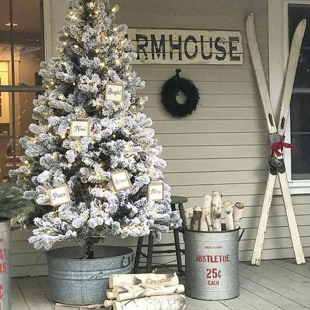 Popular Outdoor Decor Ideas For This Winter 38