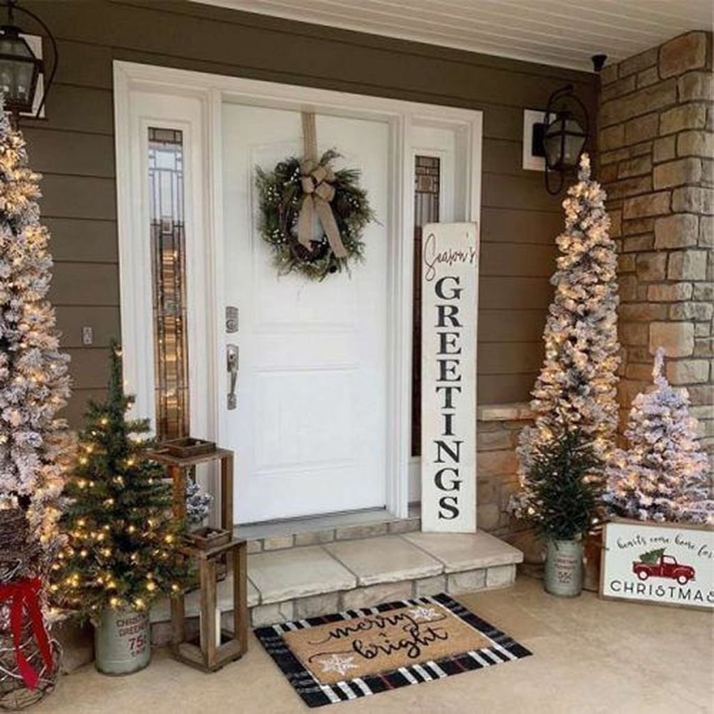 Popular Outdoor Decor Ideas For This Winter 39