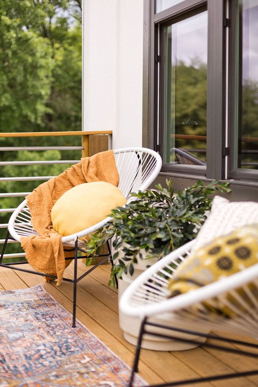 Stunning Winter Balcony Decorating Ideas 03