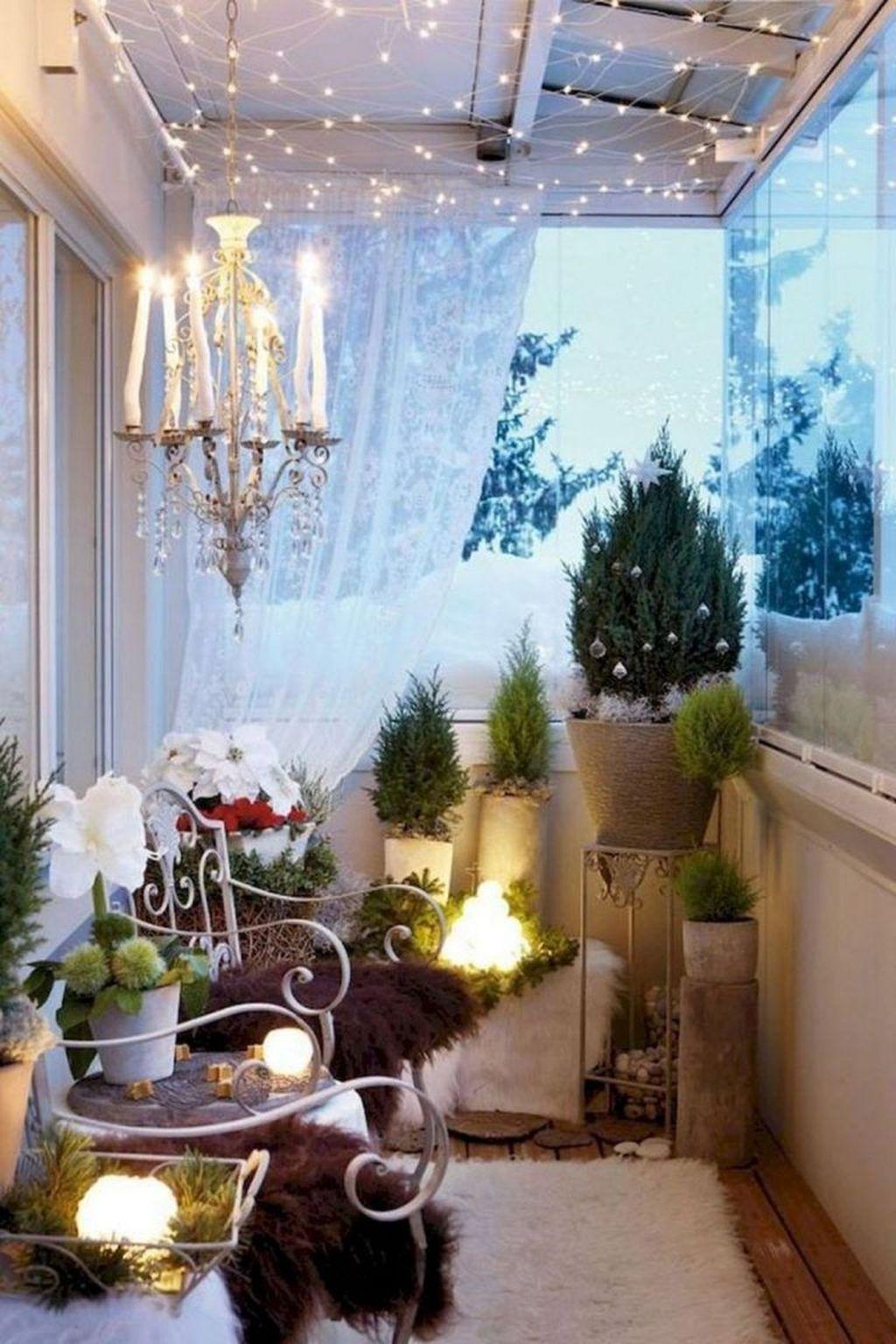 Stunning Winter Balcony Decorating Ideas 39