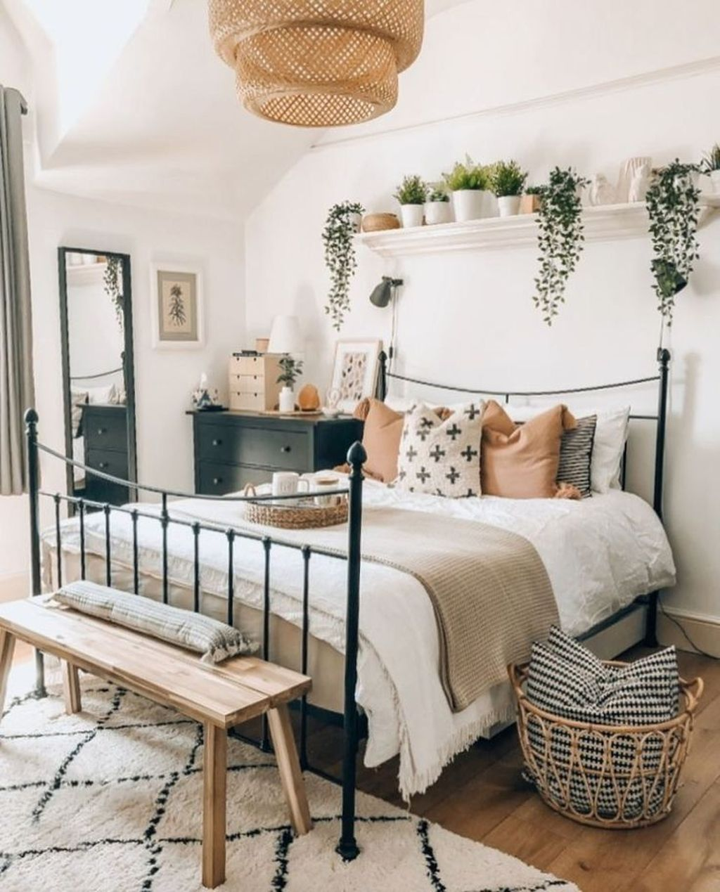 Admirable Small Bedroom Decor Ideas You Never Seen Before 17