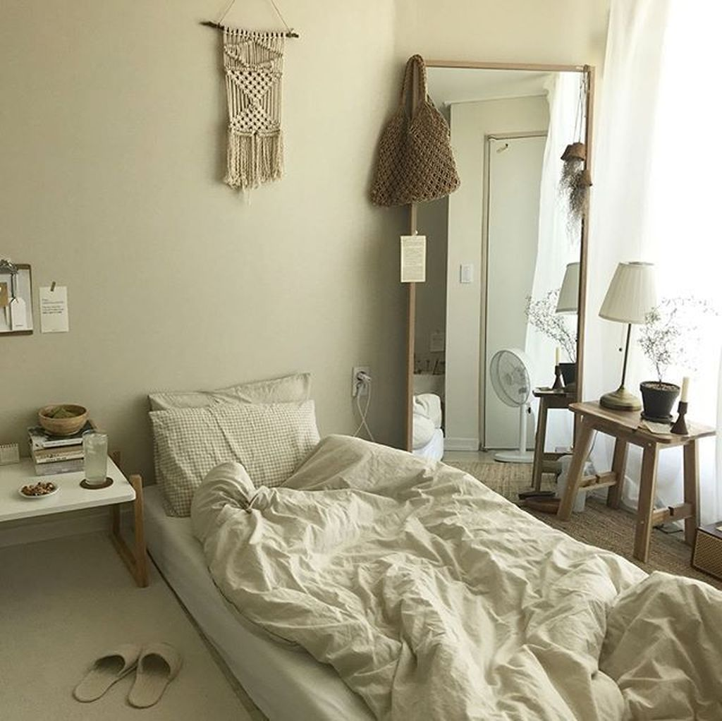 Admirable Small Bedroom Decor Ideas You Never Seen Before 30