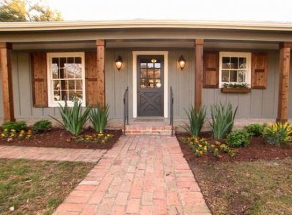 Beautiful Farmhouse Exterior Paint Colors Ideas 21