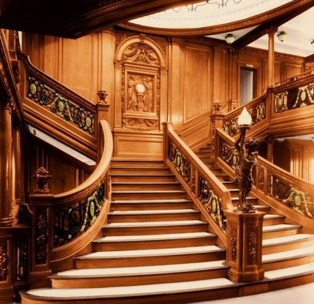 Brilliant Staircase Design Ideas To Beautify Your Interior 21