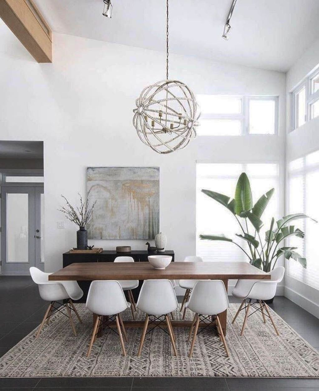 Fabulous Contemporary Dining Room Decorating Ideas 31