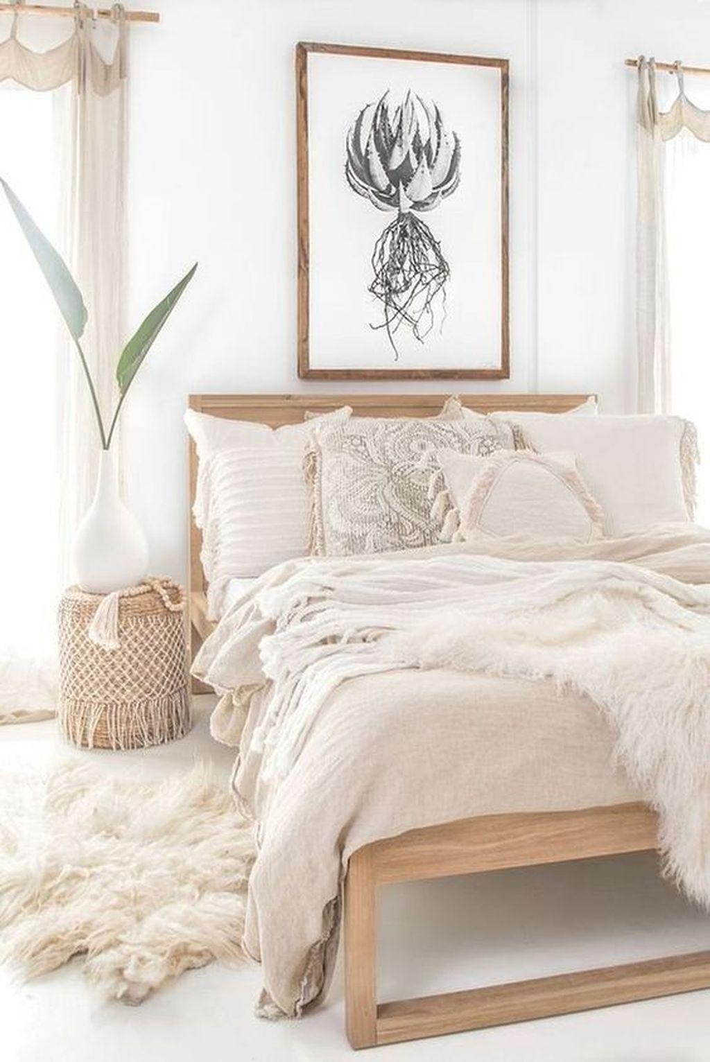 Fabulous Small Apartment Bedroom Design Ideas 32