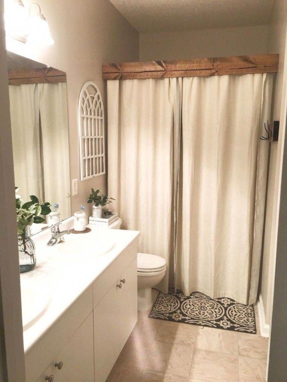 Fascinating Simple Apartment Bathroom Decor Ideas 26