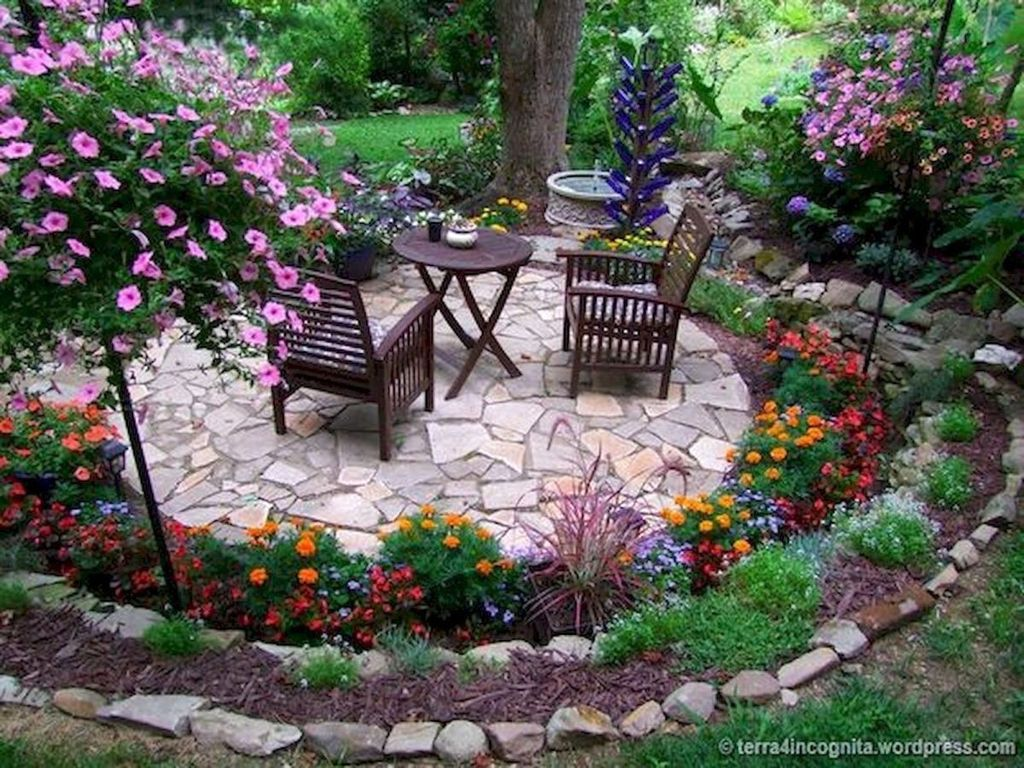 Lovely Flower Garden Design Ideas To Beautify Your Outdoor 08